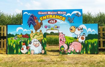 Correx signage for Red Farm Maze Entrance Display